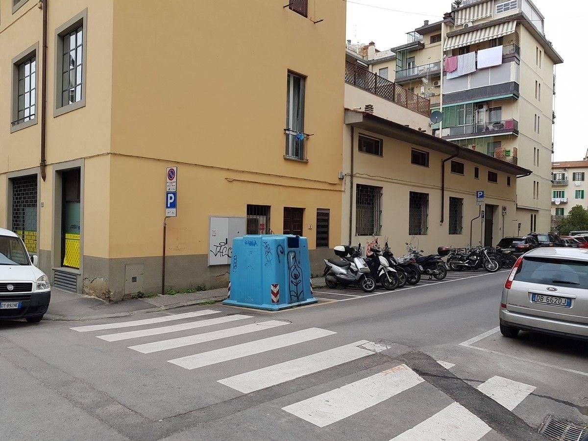 Negozio uso commerciale in vendita a Firenze