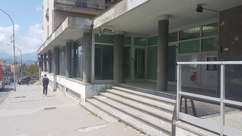 Negozio uso commerciale in vendita a Benevento
