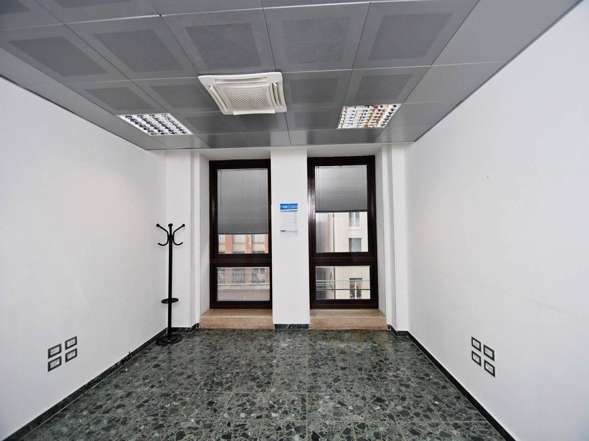 Ufficio uso ufficio in affitto a Genova