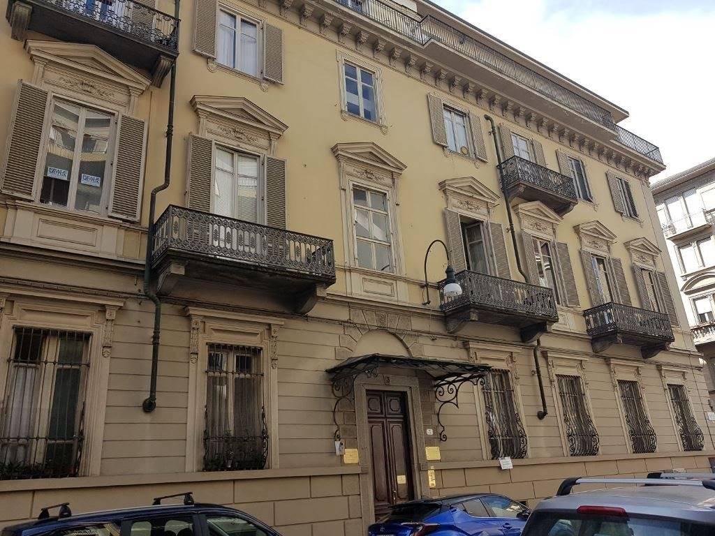 Appartamento uso abitativo/ufficio in vendita a Torino
