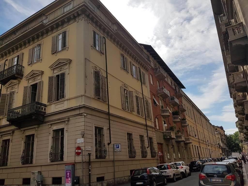 Appartamento uso ufficio in vendita a Torino