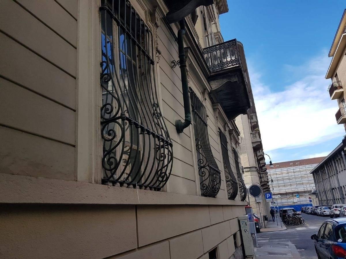Appartamento uso abitativo in vendita a Torino