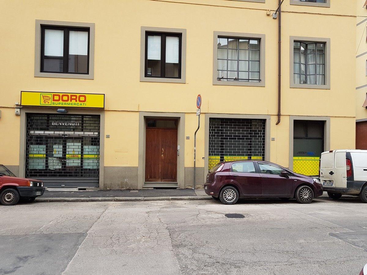 Negozio uso commerciale vendita a Firenze