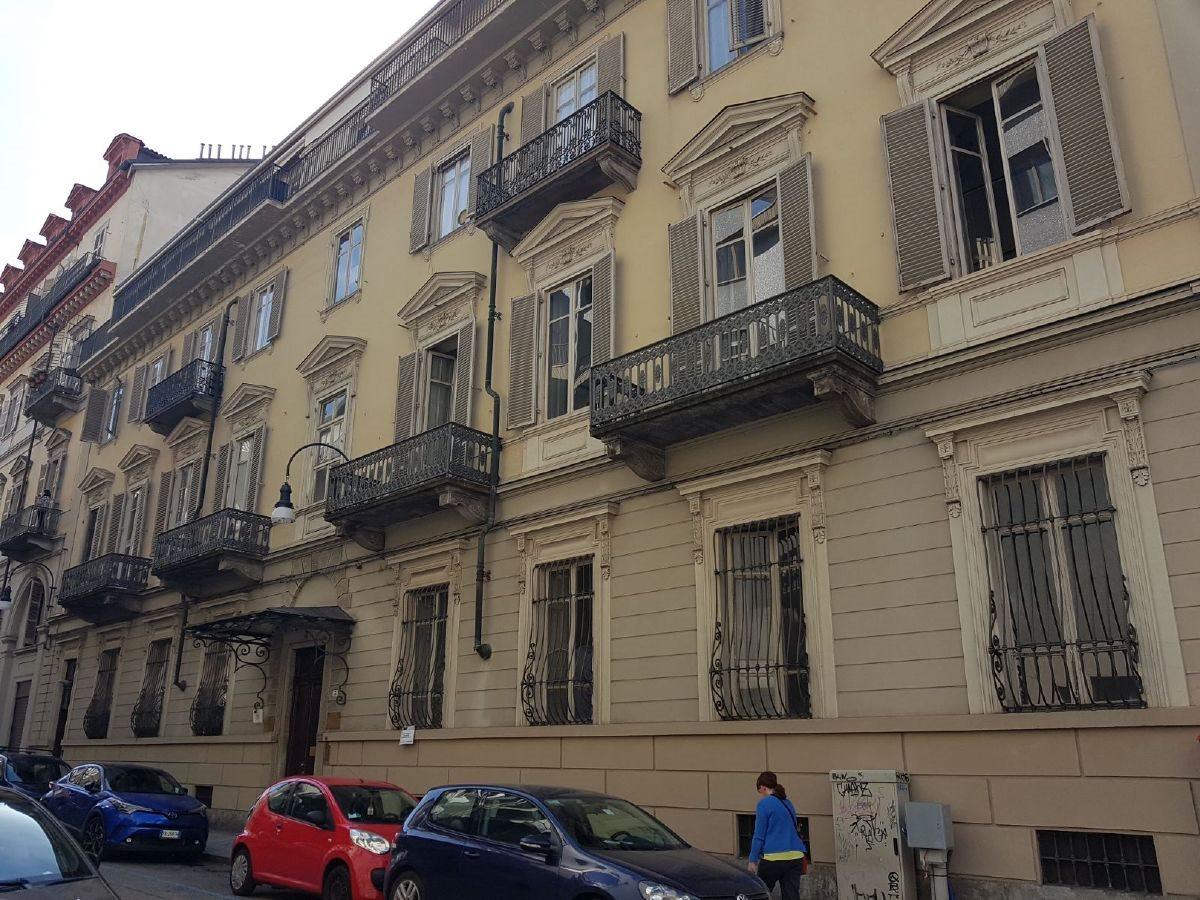 Appartamento uso abitativo vendita a Torino