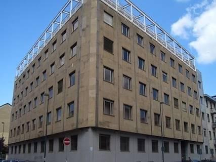 Edificio Direzionale uso ufficio in vendita a Torino