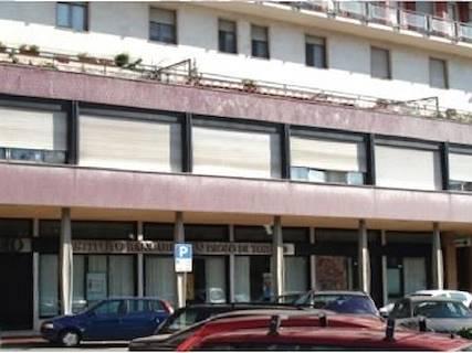 Edificio Direzionale uso ufficio in vendita a Acqui Terme