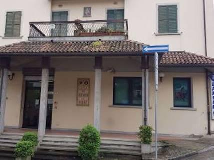 Negozio uso commerciale in vendita a Portico e San Benedetto