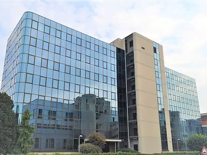 Complesso uso ufficio/industriale in affitto a Milano