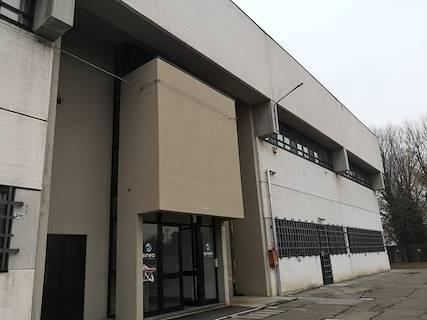 Ufficio uso ufficio in vendita a Bologna