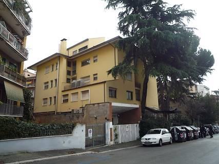 Edificio Direzionale uso ufficio in vendita a Roma