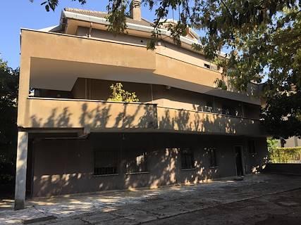 Palazzina uso ufficio in vendita a Colleferro