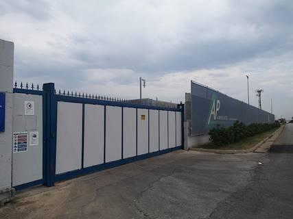 Complesso uso ufficio/industriale in vendita a Battipaglia