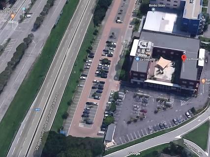 Supermercato uso commerciale in affitto a Cremona