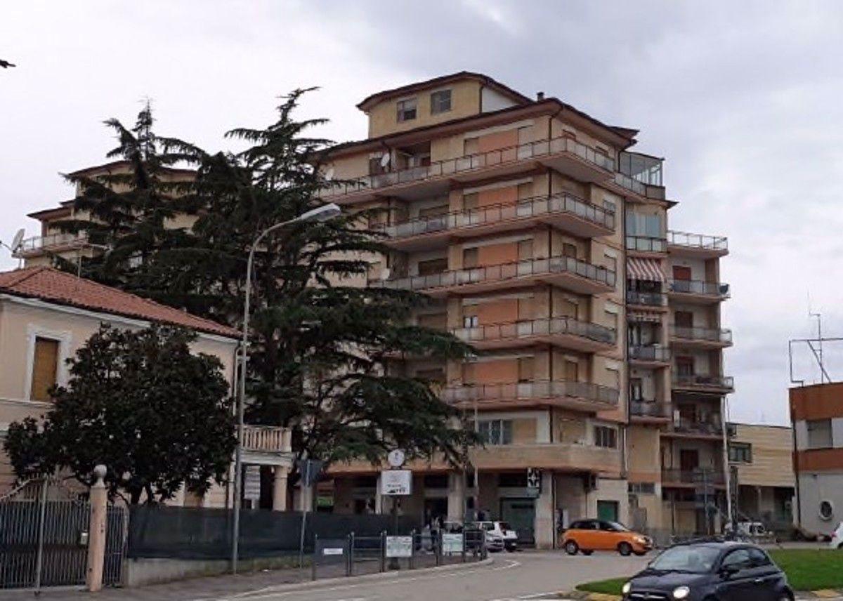 Ufficio vendita a Civitanova Marche