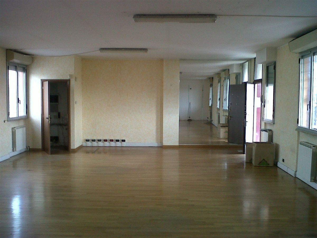 Ufficio vendita a Rozzano
