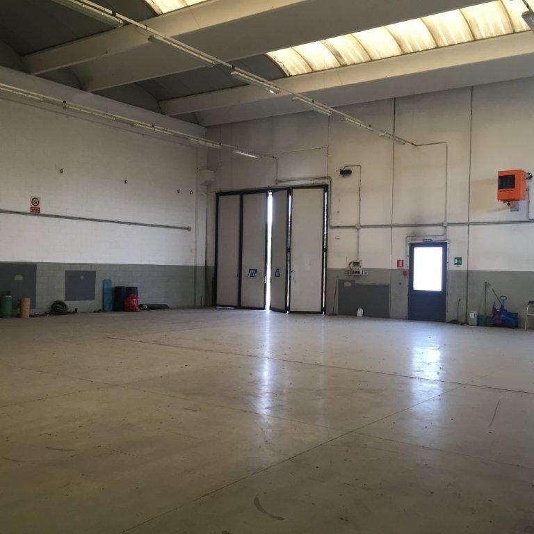 Laboratorio uso industriale vendita a Martinengo