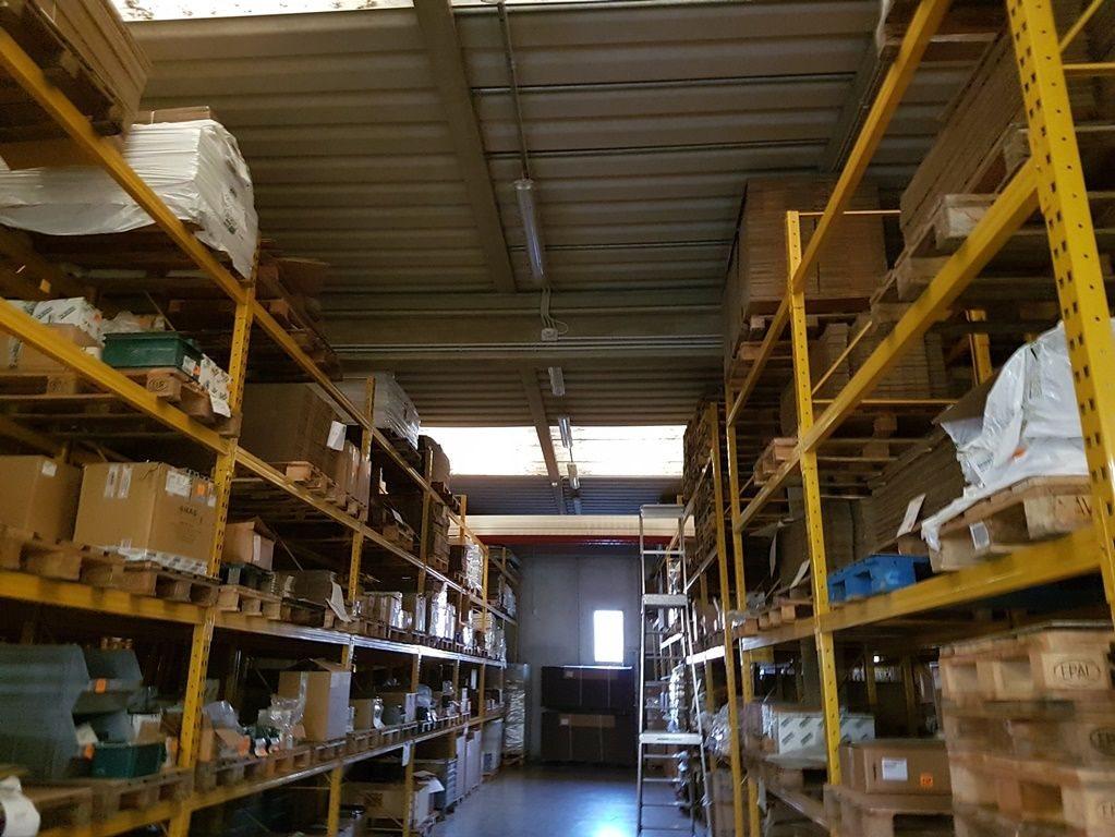 Capannone uso industriale vendita a Legnaro