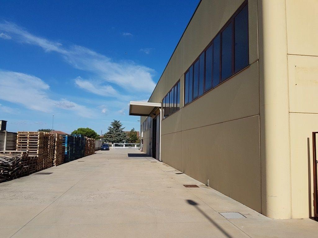 Capannone uso industriale vendita a Boara Pisani