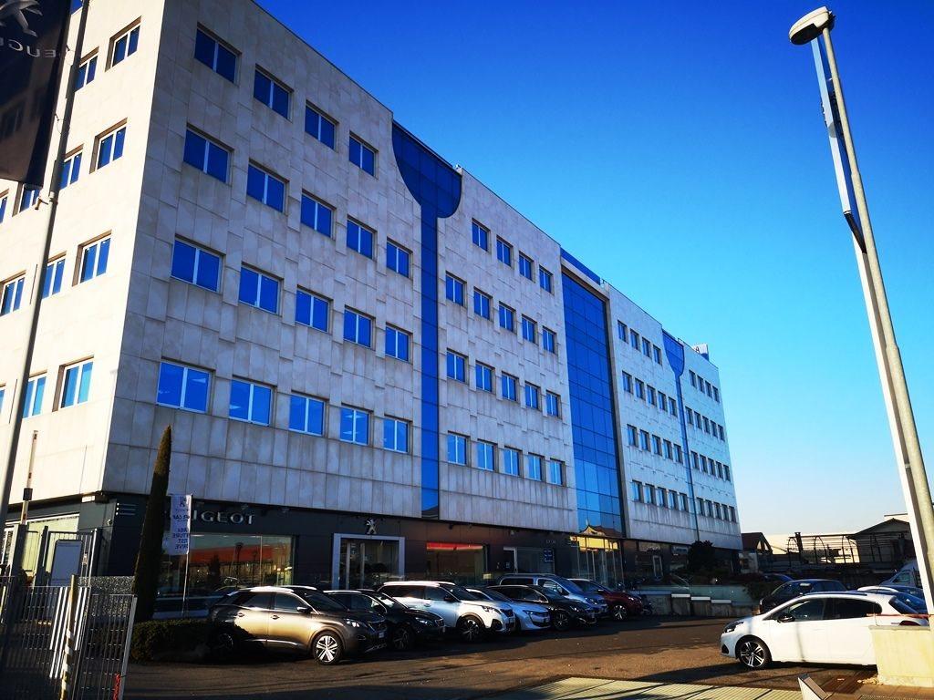 Edificio Direzionale uso ufficio vendita a Concorezzo