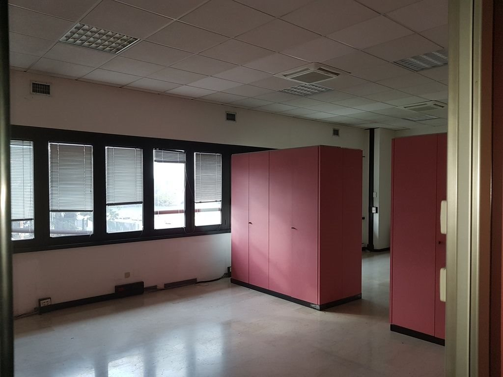 Ufficio uso ufficio vendita a Bologna