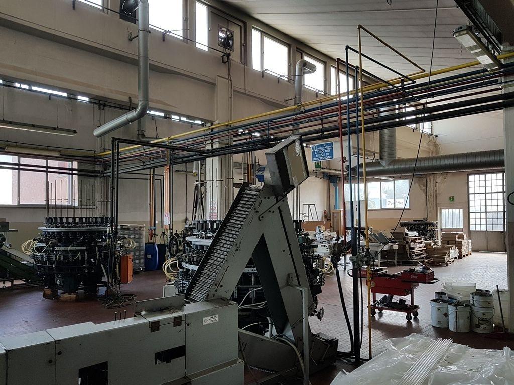 Capannone uso industriale affitto a Bologna