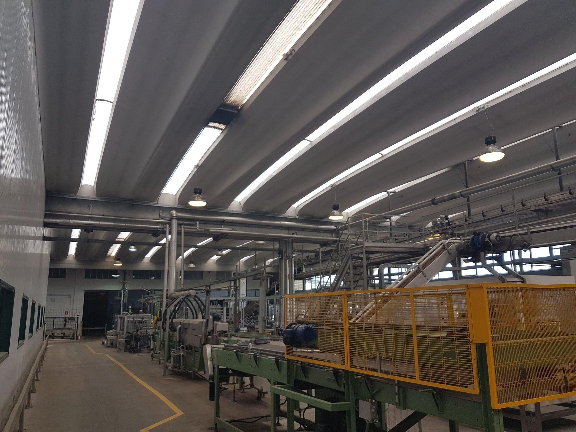 Complesso uso industriale vendita a Acerra