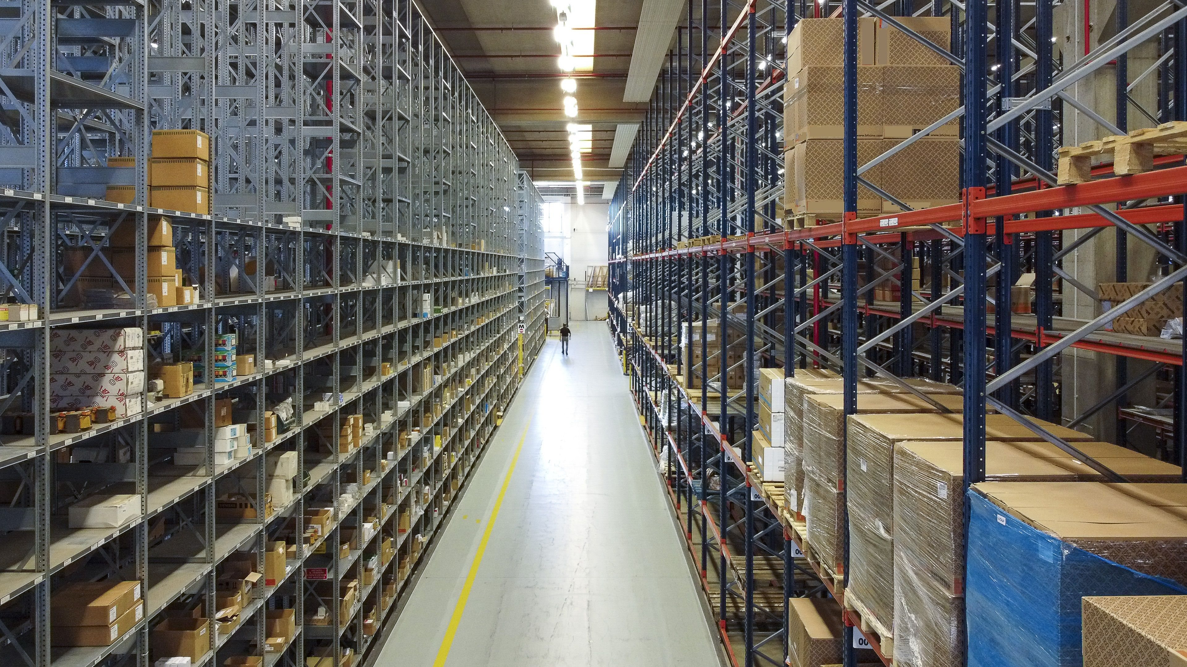 Capannone uso industriale vendita a Gerenzano