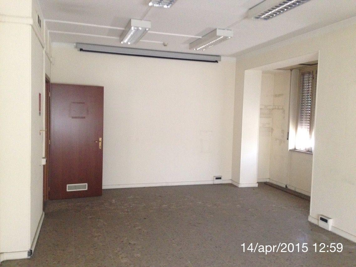 Ufficio uso ufficio affitto a Torino