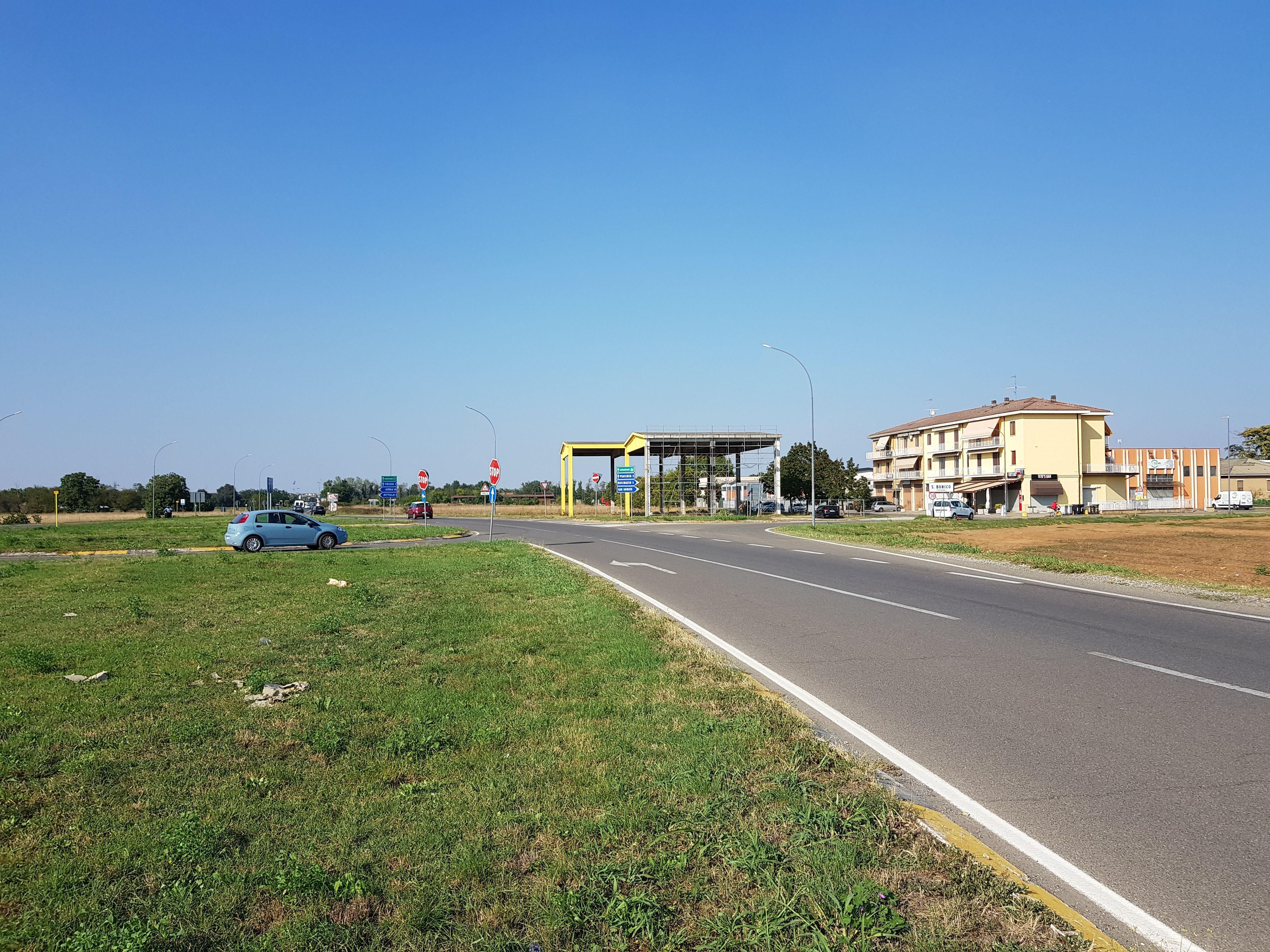 Terreno uso commerciale affitto a Piacenza